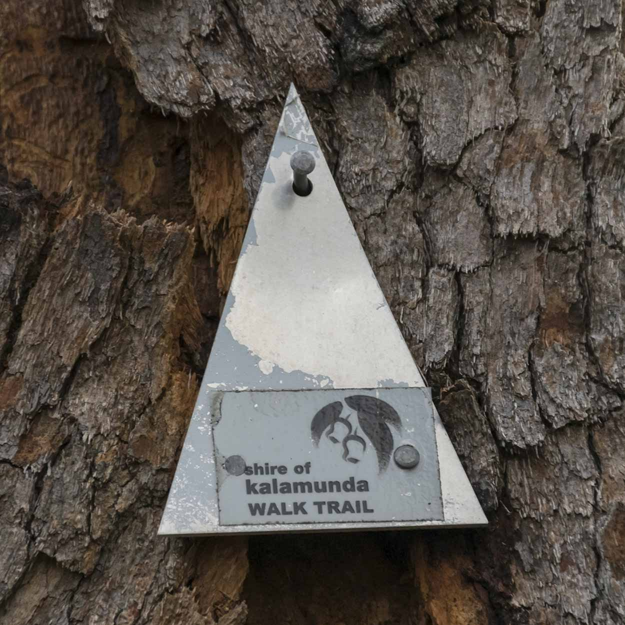 Trail marker for the Helena Pipehead Walk, Beelu National Park, Perth, Western Australia