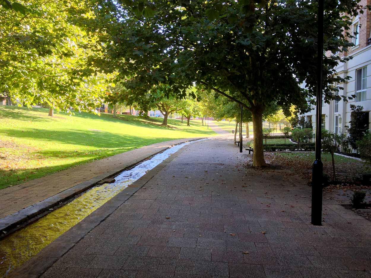 The concrete brook that is Claisebrook, Perth, Western Australia