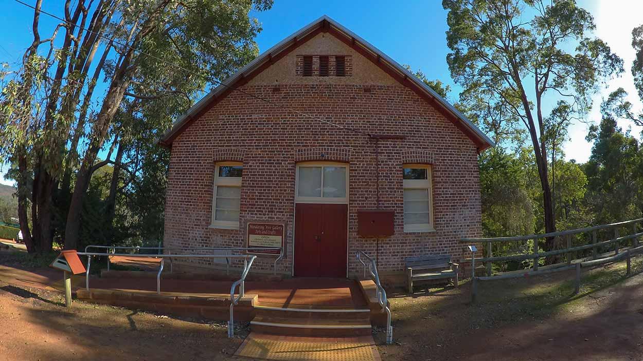 Mundaring Weir Gallery, Mundaring, Perth, Western Australia
