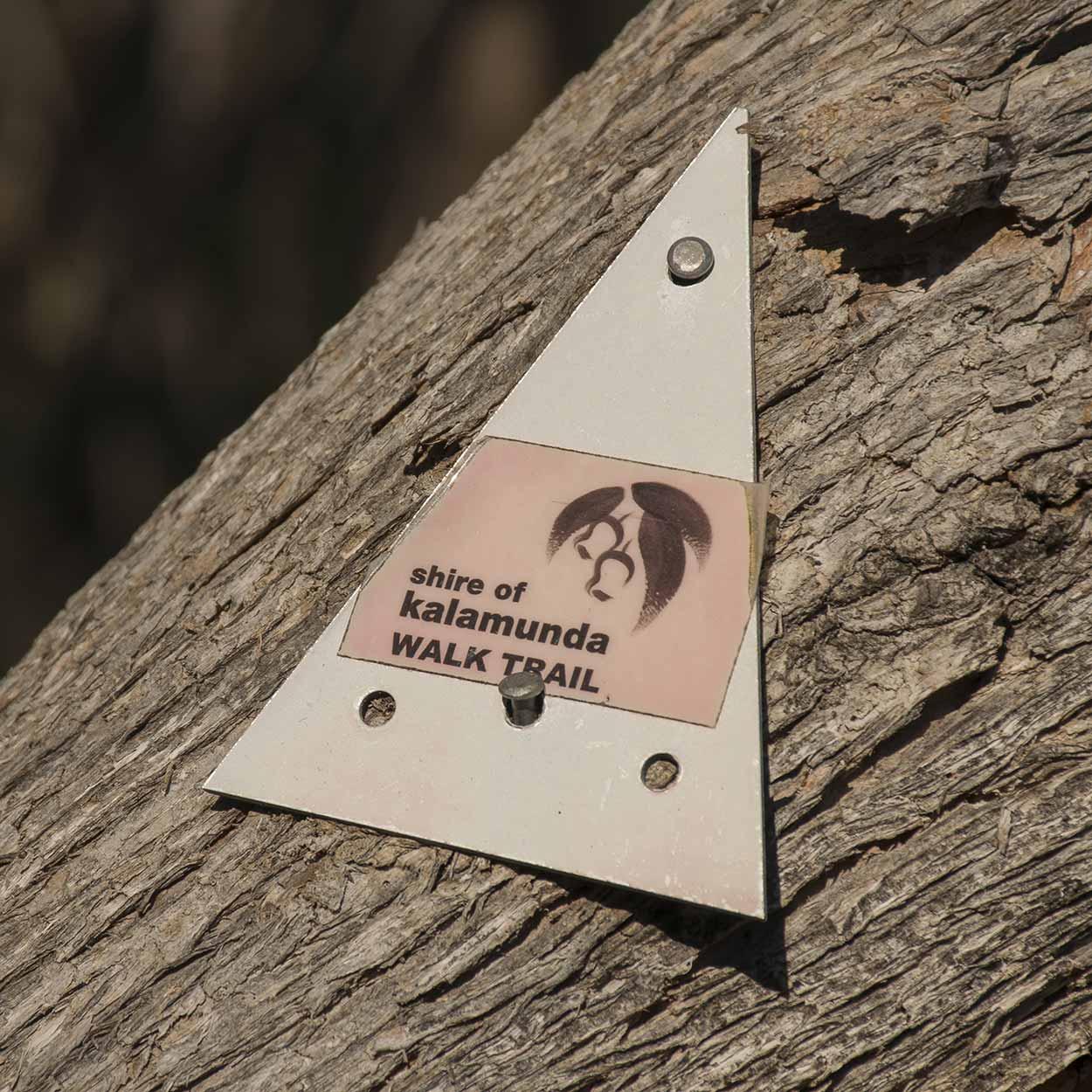 Whistlepipe Gully Walk trail marker, Mundy Regional Park, Perth, Western Australia