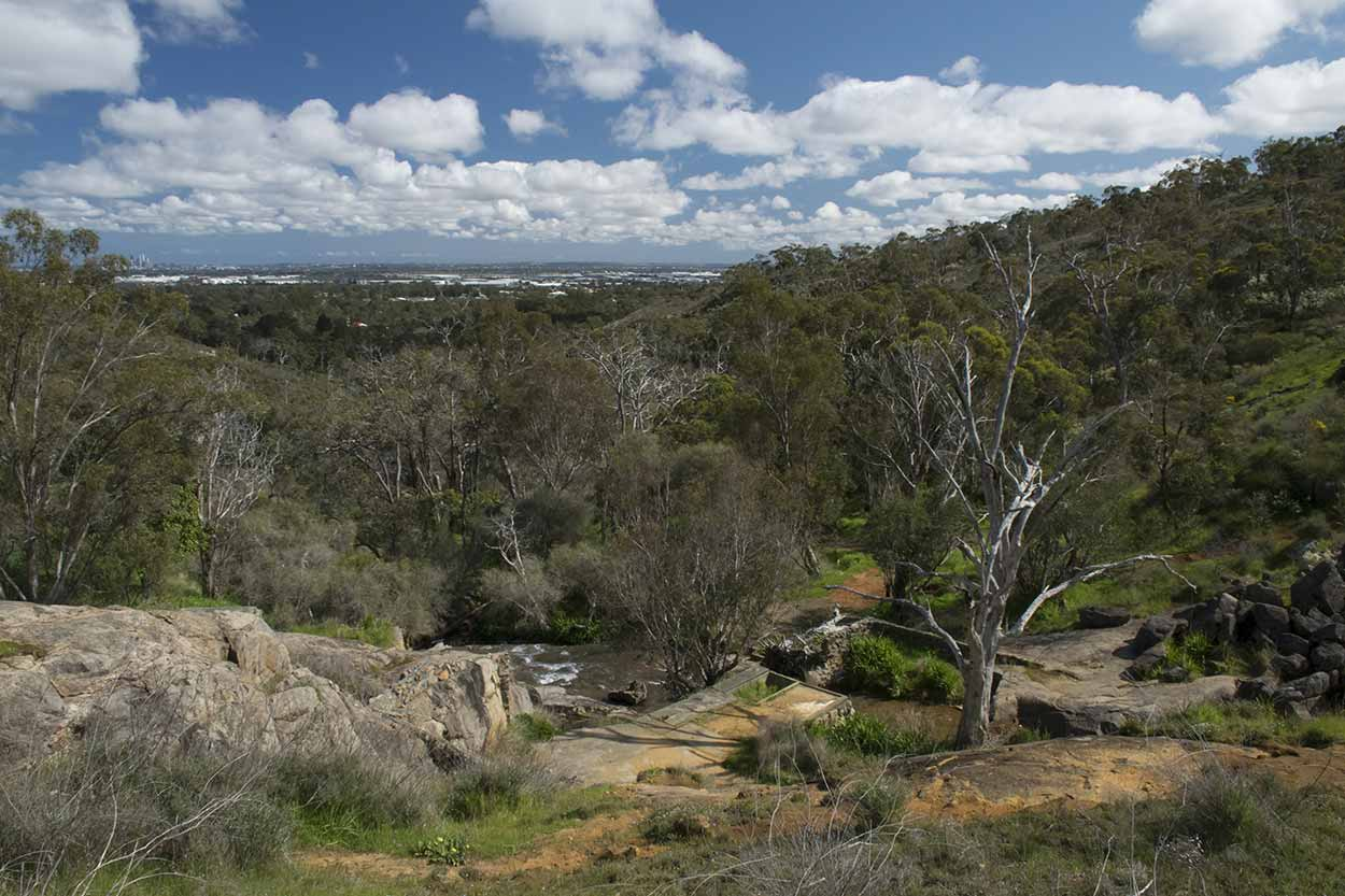 Panoramic views from the Whistlepipe Gully Walk, Mundy Regional Park, Perth, Western Australia