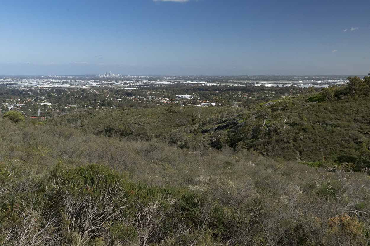 Panoramic views from the Palm Terrace Walk, Mundy Regional Park, Perth, Western Australia