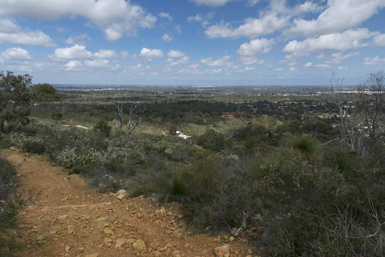 Spectacular views along the Palm Terrace Walk, Mundy Regional Park, Perth, Western Australia