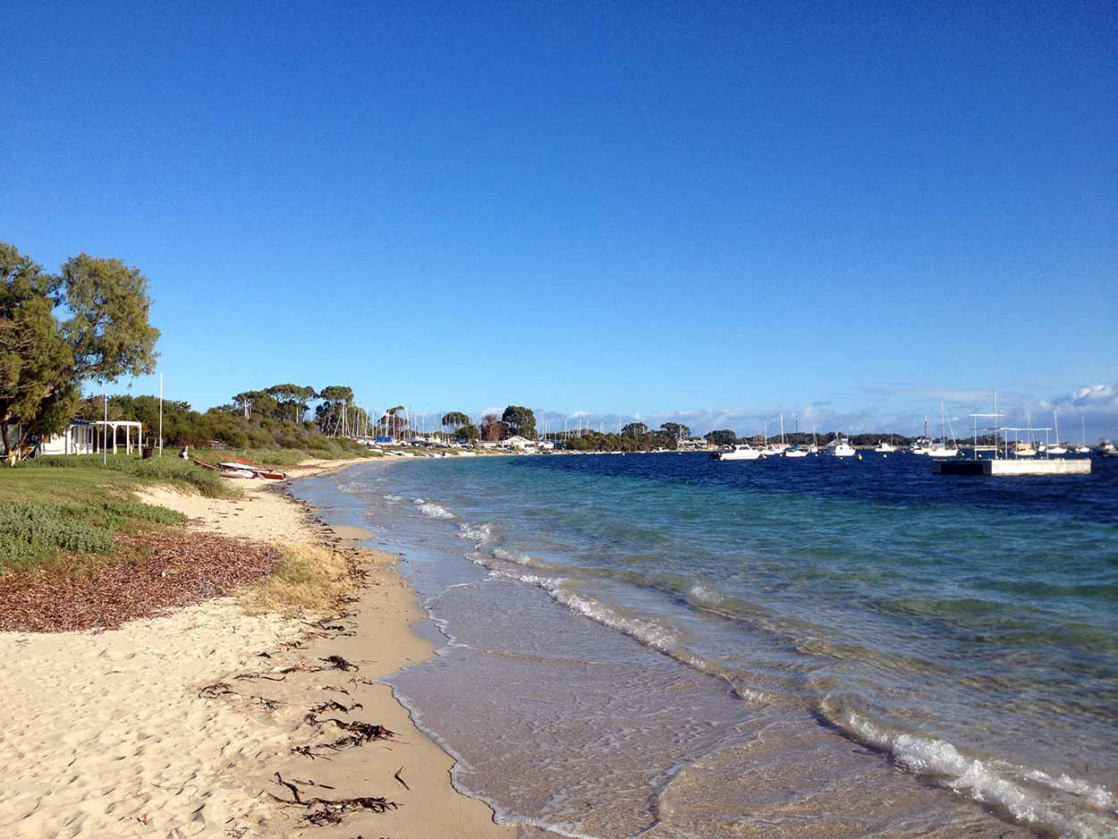 The view over Mangles Bay on the northern side of Point Peron, Perth, Western Australia
