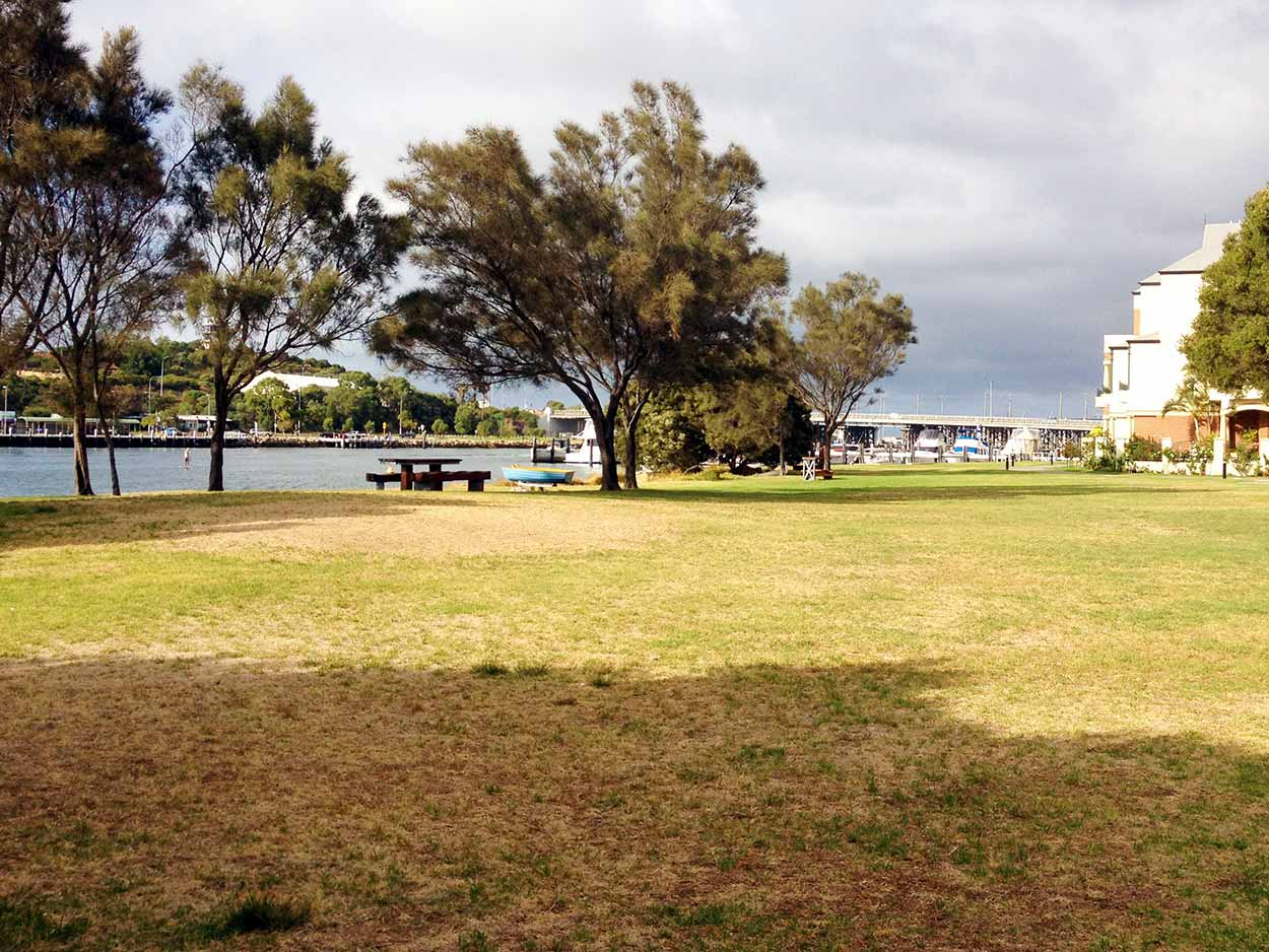 Sorrell Park, North Fremantle on the banks of the Swan River, Perth, Western Australia