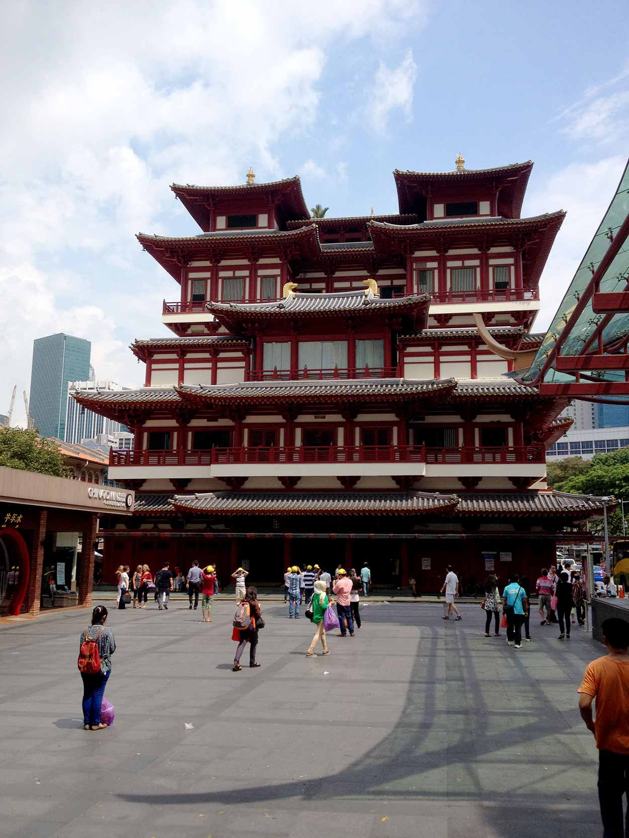 Buddha Tooth Relic Temple and Museum on South Bridge Road, Chinatown, Singapore