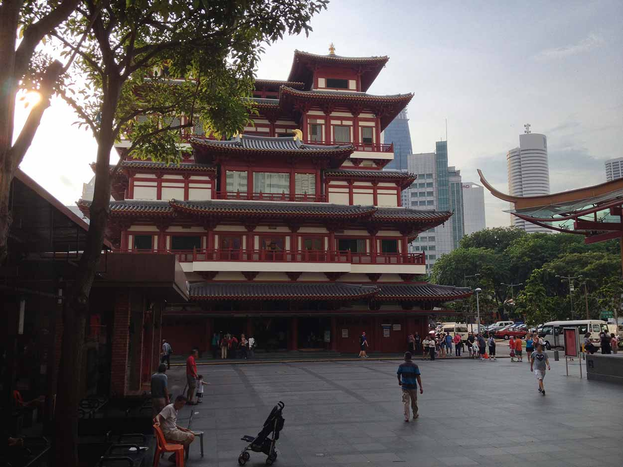 Buddha Tooth Relic Temple and Museum, Chinatown, Singapore